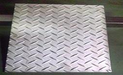 ステンレス 縞鋼板(チェッカープレート)